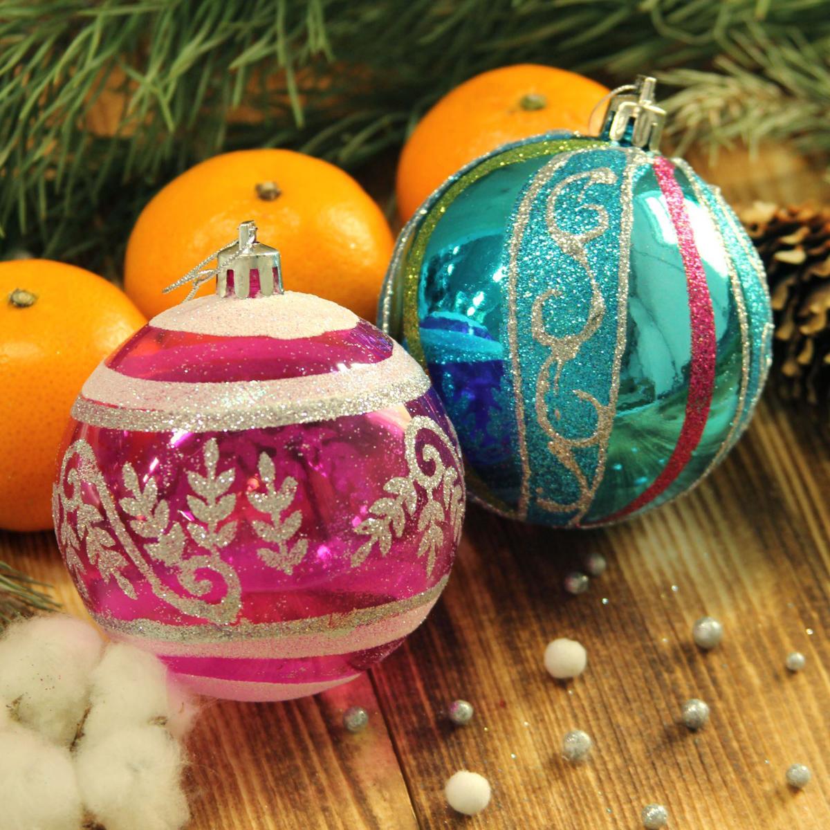 Набор новогодних подвесных украшений Sima-land Улыбка. Веточки, диаметр 8 см, 9 шт2123024Набор новогодних подвесных украшений Sima-land отлично подойдет для декорации вашего дома и новогодней ели. С помощью специальной петельки украшение можно повесить в любом понравившемся вам месте. Но, конечно, удачнее всего оно будет смотреться на праздничной елке. Елочная игрушка - символ Нового года. Она несет в себе волшебство и красоту праздника. Создайте в своем доме атмосферу веселья и радости, украшая новогоднюю елку нарядными игрушками, которые будут из года в год накапливать теплоту воспоминаний.