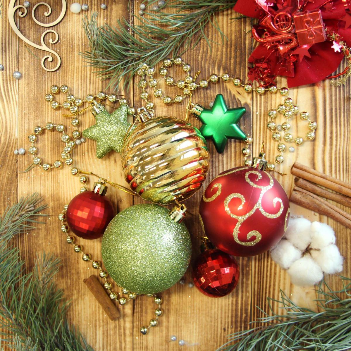 Набор новогодних подвесных украшений Sima-land Ассорти, 42 шт. 21230442123044Невозможно представить нашу жизнь без праздников! Мы всегда ждём их и предвкушаем, обдумываем, как проведём памятный день, тщательно выбираем подарки и аксессуары, ведь именно они создают и поддерживают торжественный настрой.