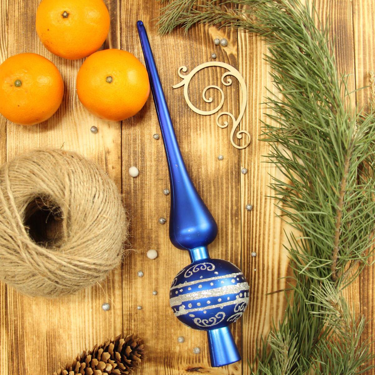 Верхушка на елку Sima-land Полосы. Узор, 27,5 см2123049Верхушка на елку Sima-land будет прекрасно смотреться на новогодней еле. Верхушка на елку - одно из главных новогодних украшений лесной красавицы. Она принесет в ваш дом ни с чем не сравнимое ощущение праздника! Новогодние украшения несут в себе волшебство. Они помогут вам украсить дом к предстоящим праздникам и оживить интерьер по вашему вкусу. Создайте в доме атмосферу тепла, веселья и радости, украшая его всей семьей.