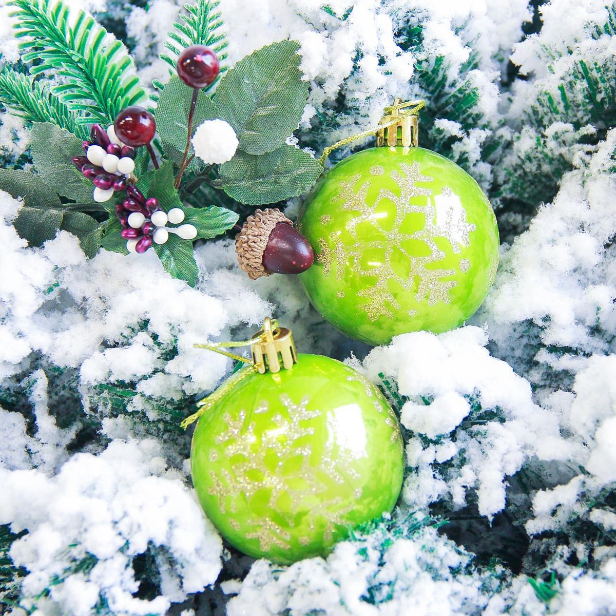 Набор новогодних подвесных украшений Sima-land Снежинка капель, цвет: зеленый, диаметр 6 см, 6 шт2178183Невозможно представить нашу жизнь без праздников! Мы всегда ждём их и предвкушаем, обдумываем, как проведём памятный день, тщательно выбираем подарки и аксессуары, ведь именно они создают и поддерживают торжественный настрой.