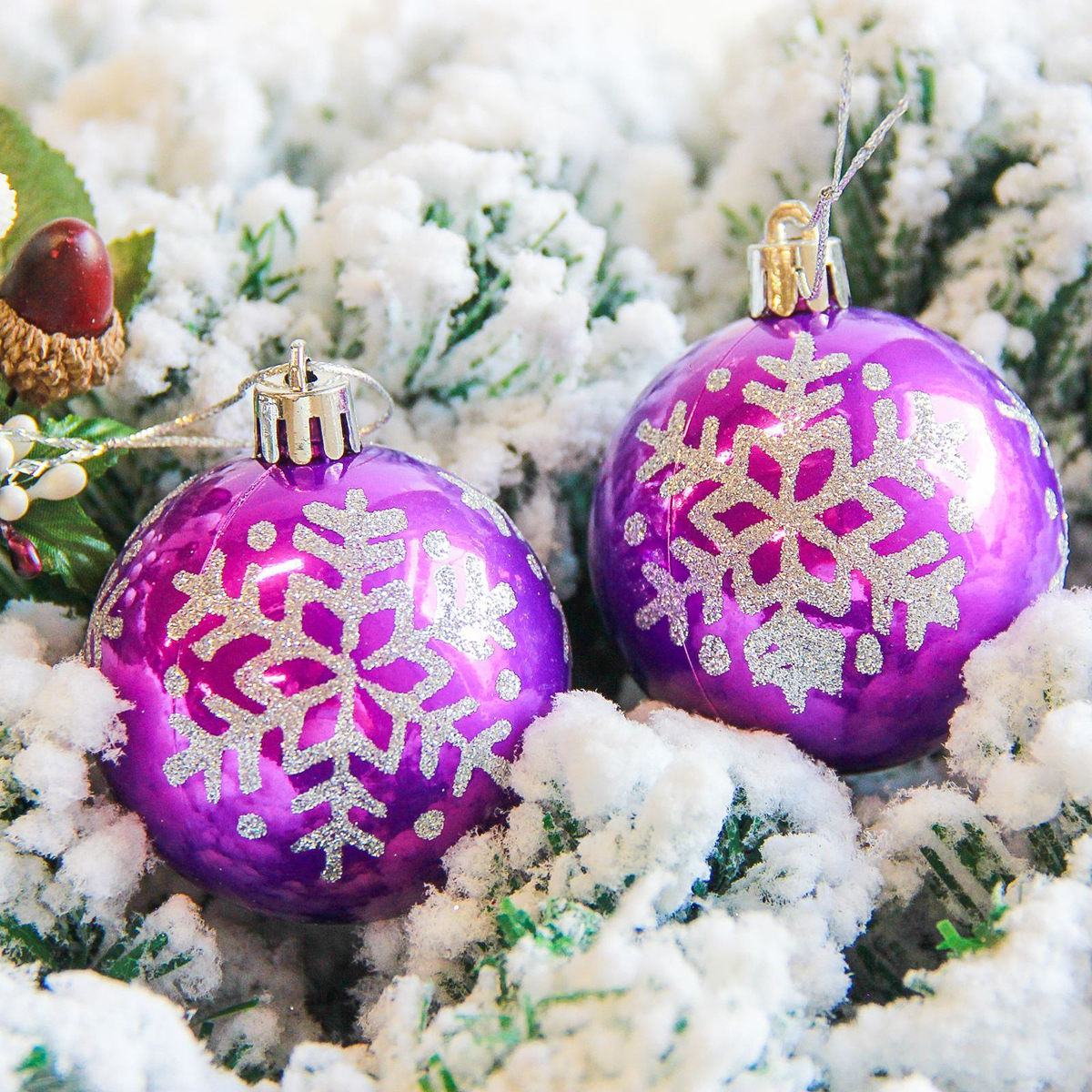 Набор новогодних подвесных украшений Sima-land Снежинка капель, цвет: фиолетовый, диаметр 6 см, 6 шт2178184Невозможно представить нашу жизнь без праздников! Мы всегда ждём их и предвкушаем, обдумываем, как проведём памятный день, тщательно выбираем подарки и аксессуары, ведь именно они создают и поддерживают торжественный настрой.
