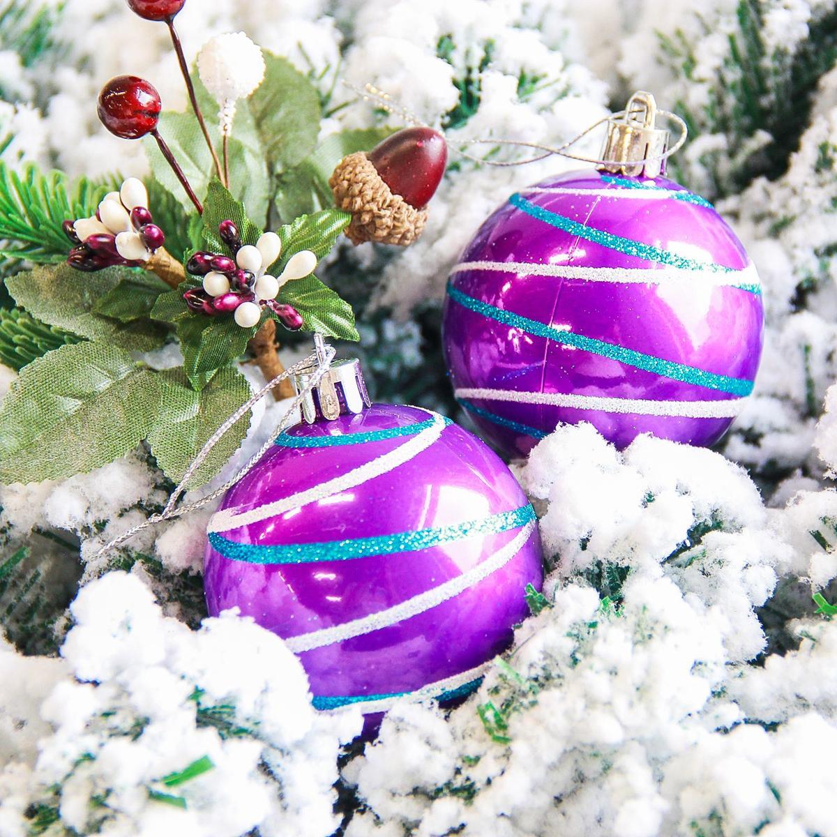 Набор новогодних подвесных украшений Sima-land Орион, цвет: сиреневый, диаметр 6 см, 6 шт2178186Набор новогодних подвесных украшений Sima-land отлично подойдет для декорации вашего дома и новогодней ели. С помощью специальной петельки украшение можно повесить в любом понравившемся вам месте. Но, конечно, удачнее всего оно будет смотреться на праздничной елке. Елочная игрушка - символ Нового года. Она несет в себе волшебство и красоту праздника. Создайте в своем доме атмосферу веселья и радости, украшая новогоднюю елку нарядными игрушками, которые будут из года в год накапливать теплоту воспоминаний.