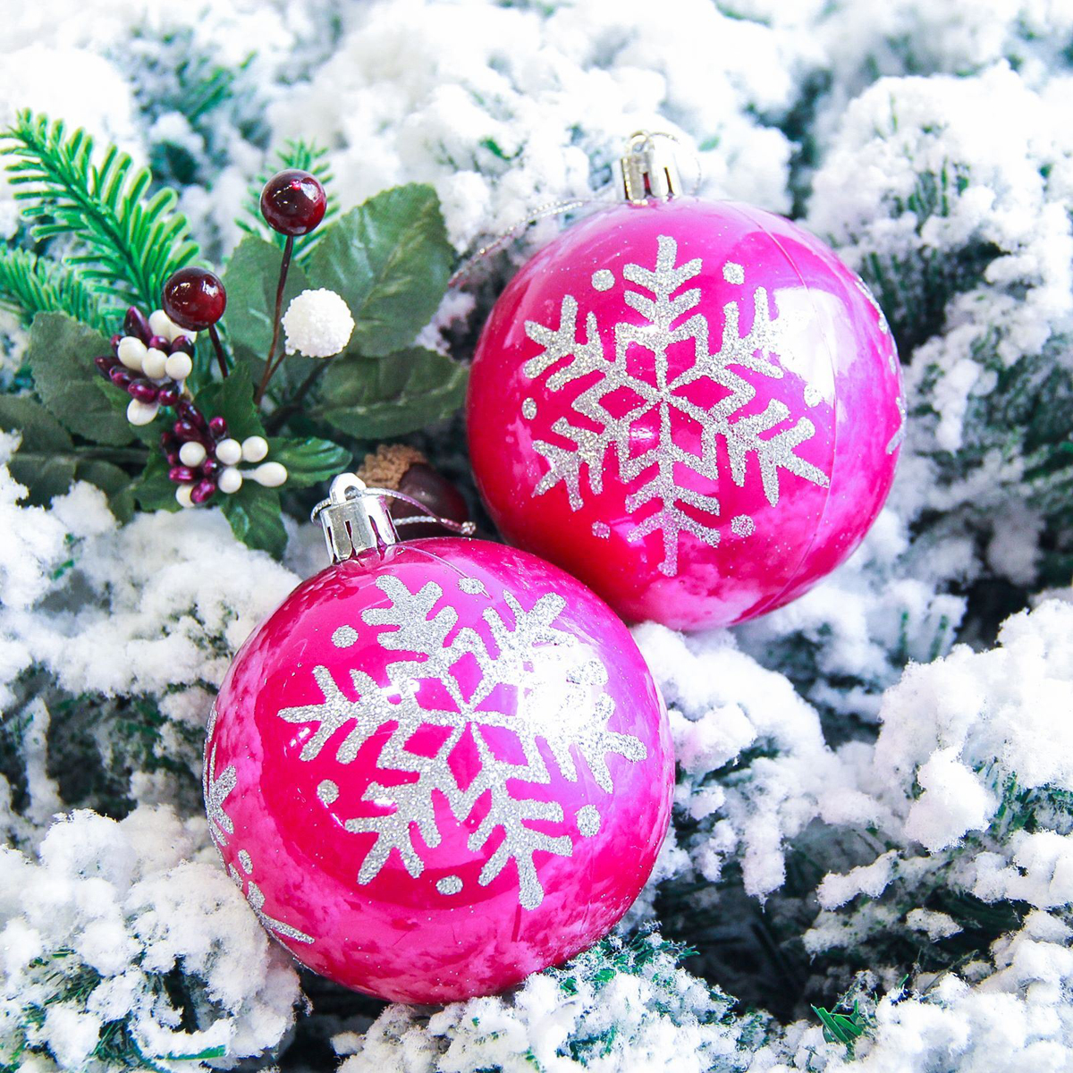 Набор новогодних подвесных украшений Sima-land Снежинка. Капель, цвет: розовый, диаметр 8 см, 6 шт2178197Набор новогодних подвесных украшений Sima-land отлично подойдет для декорации вашего дома и новогодней ели. С помощью специальной петельки украшение можно повесить в любом понравившемся вам месте. Но, конечно, удачнее всего оно будет смотреться на праздничной елке. Елочная игрушка - символ Нового года. Она несет в себе волшебство и красоту праздника. Создайте в своем доме атмосферу веселья и радости, украшая новогоднюю елку нарядными игрушками, которые будут из года в год накапливать теплоту воспоминаний.