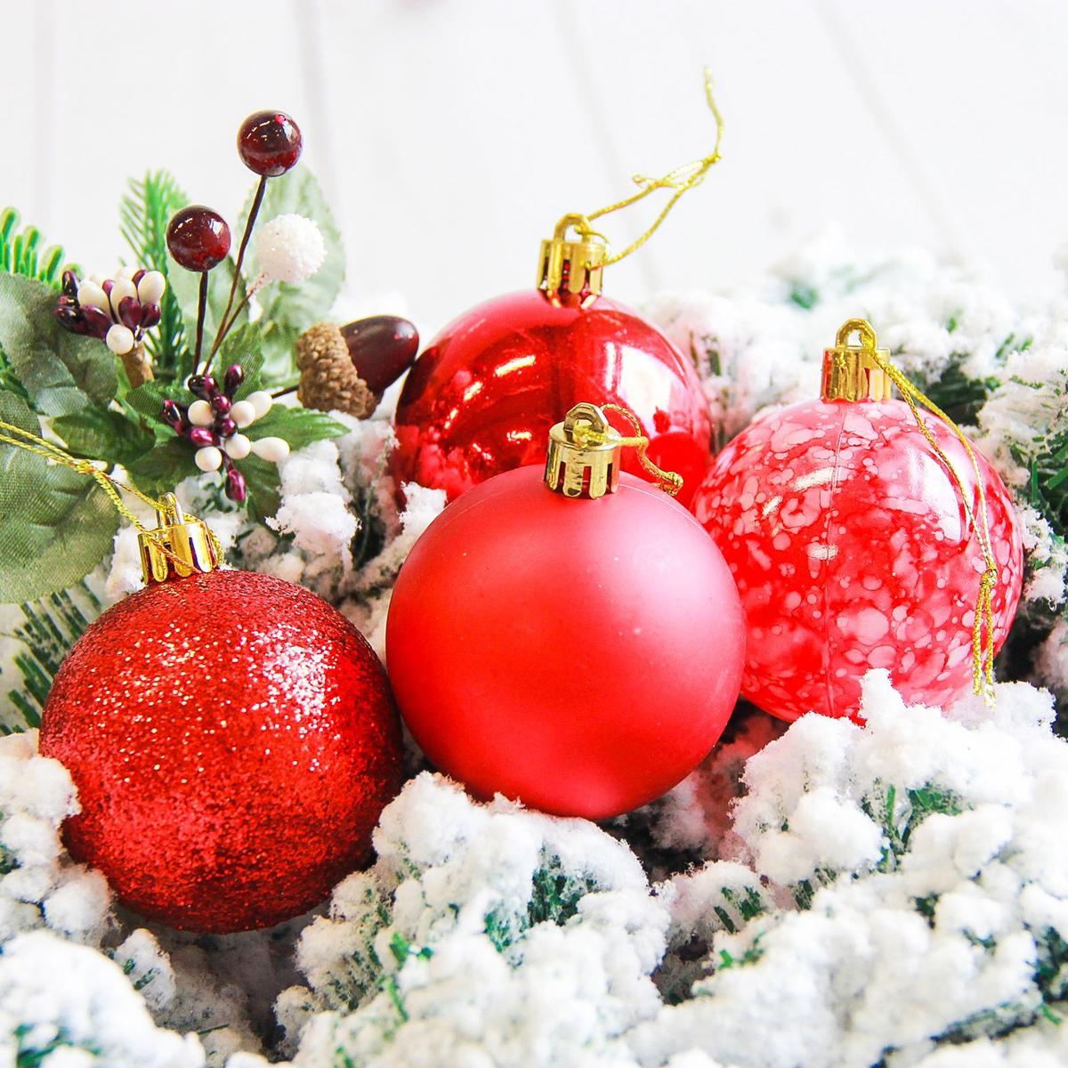 Набор новогодних подвесных украшений Sima-land Фрэско, цвет: красный, диаметр 6 см, 16 шт свеча ароматизированная sima land лимон на подставке высота 6 см