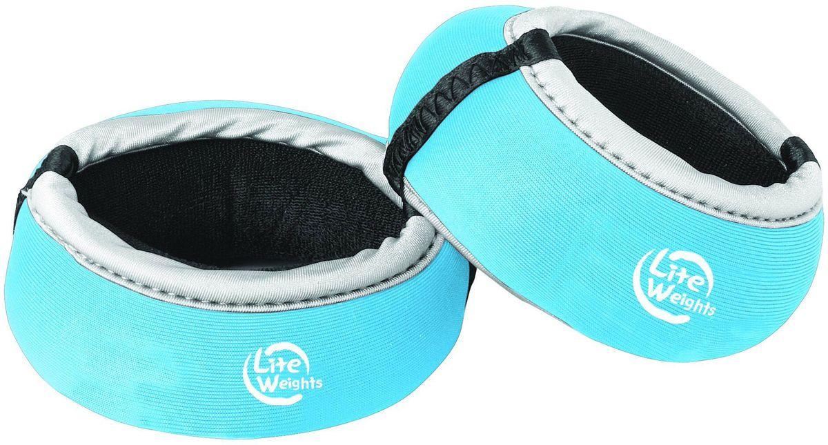 Утяжелители для рук Lite Weights 5850LW, цвет: голубой, 0,5 кг, 2 шт5850LWУтяжелители для рук Lite Weights прочно и комфортно крепятся на запястьях, обеспечивая нагрузку, совершенно не сковывая движения.Идеальны в использовании при беге трусцой, занятиях аэробикой, оздоровительной гимнастикой и фитнесом.Материал внешний: неопрен, спандекс, полиэстер.Наполнитель: металлическая стружка, песок.
