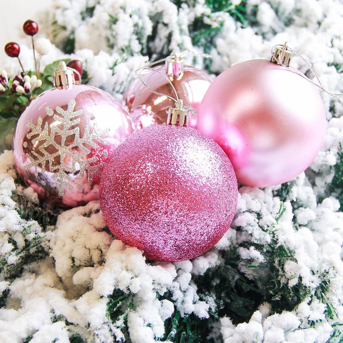 Набор новогодних подвесных украшений Sima-land Снежинка, диаметр 8 см, 6 шт. 21782782178278Невозможно представить нашу жизнь без праздников! Мы всегда ждём их и предвкушаем, обдумываем, как проведём памятный день, тщательно выбираем подарки и аксессуары, ведь именно они создают и поддерживают торжественный настрой.