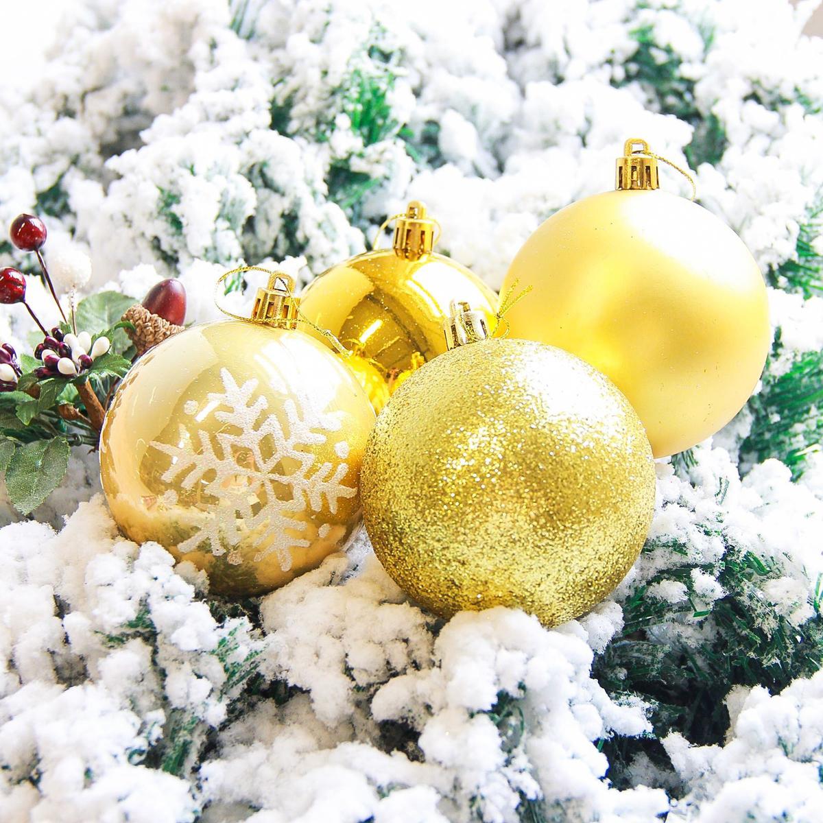 Набор новогодних подвесных украшений Sima-land Снежинка. Капель, диаметр 8 см, 6 шт. 21782892178289Невозможно представить нашу жизнь без праздников! Мы всегда ждём их и предвкушаем, обдумываем, как проведём памятный день, тщательно выбираем подарки и аксессуары, ведь именно они создают и поддерживают торжественный настрой.