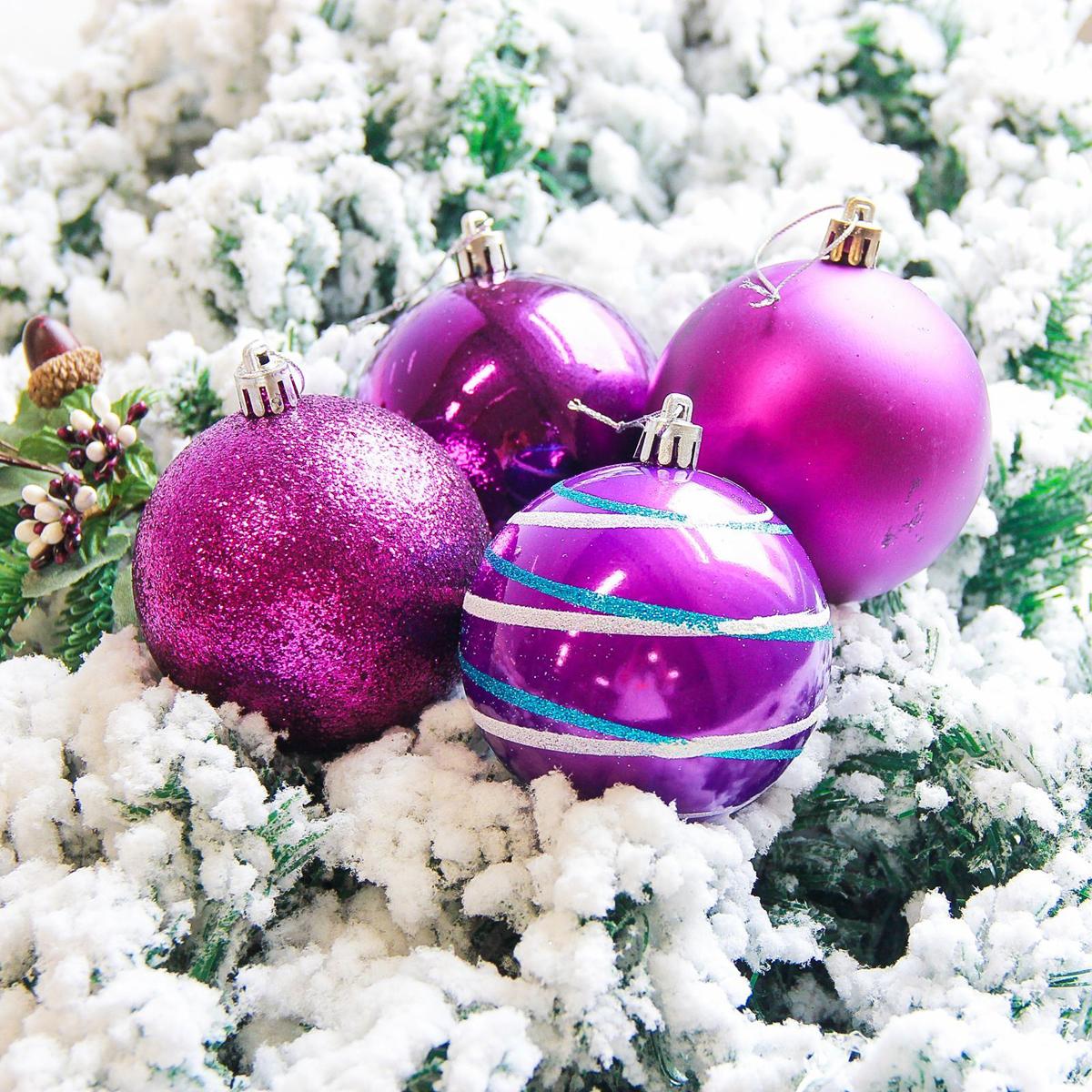 Набор новогодних подвесных украшений Sima-land Орион, цвет: фиолетовый, диаметр 8 см, 6 шт2178291Набор новогодних подвесных украшений Sima-land отлично подойдет для декорации вашего дома и новогодней ели. С помощью специальной петельки украшение можно повесить в любом понравившемся вам месте. Но, конечно, удачнее всего оно будет смотреться на праздничной елке. Елочная игрушка - символ Нового года. Она несет в себе волшебство и красоту праздника. Создайте в своем доме атмосферу веселья и радости, украшая новогоднюю елку нарядными игрушками, которые будут из года в год накапливать теплоту воспоминаний.
