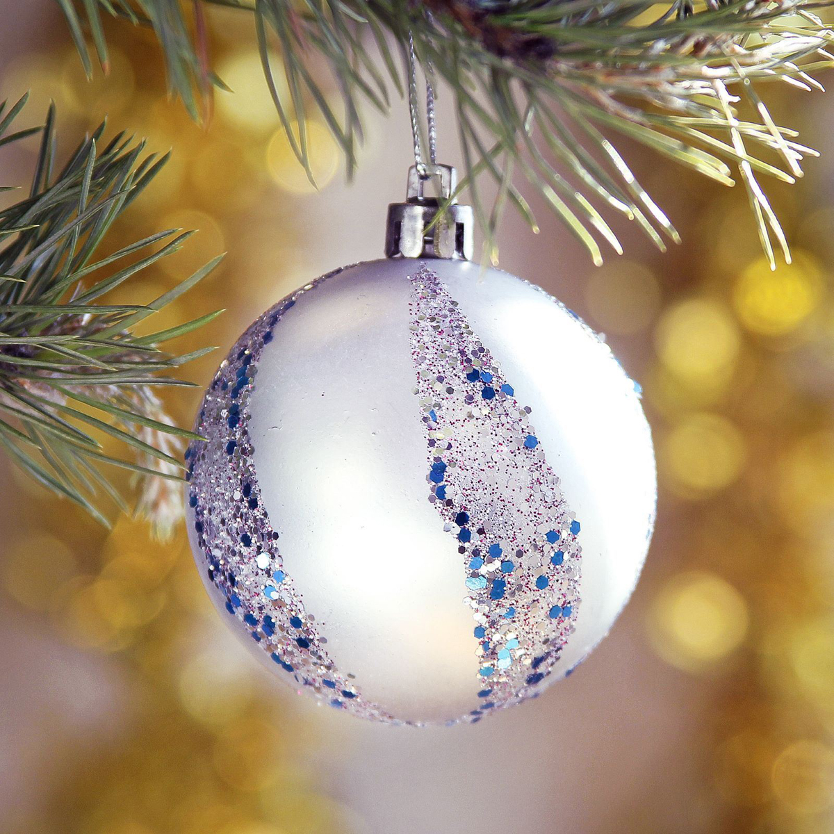 Набор новогодних подвесных украшений Sima-land Блестящий вихрь, диаметр 6 см, 8 шт2371172Набор новогодних подвесных украшений Sima-land отлично подойдет для декорации вашего дома и новогодней ели. С помощью специальной петельки украшение можно повесить в любом понравившемся вам месте. Но, конечно, удачнее всего оно будет смотреться на праздничной елке. Елочная игрушка - символ Нового года. Она несет в себе волшебство и красоту праздника. Создайте в своем доме атмосферу веселья и радости, украшая новогоднюю елку нарядными игрушками, которые будут из года в год накапливать теплоту воспоминаний.