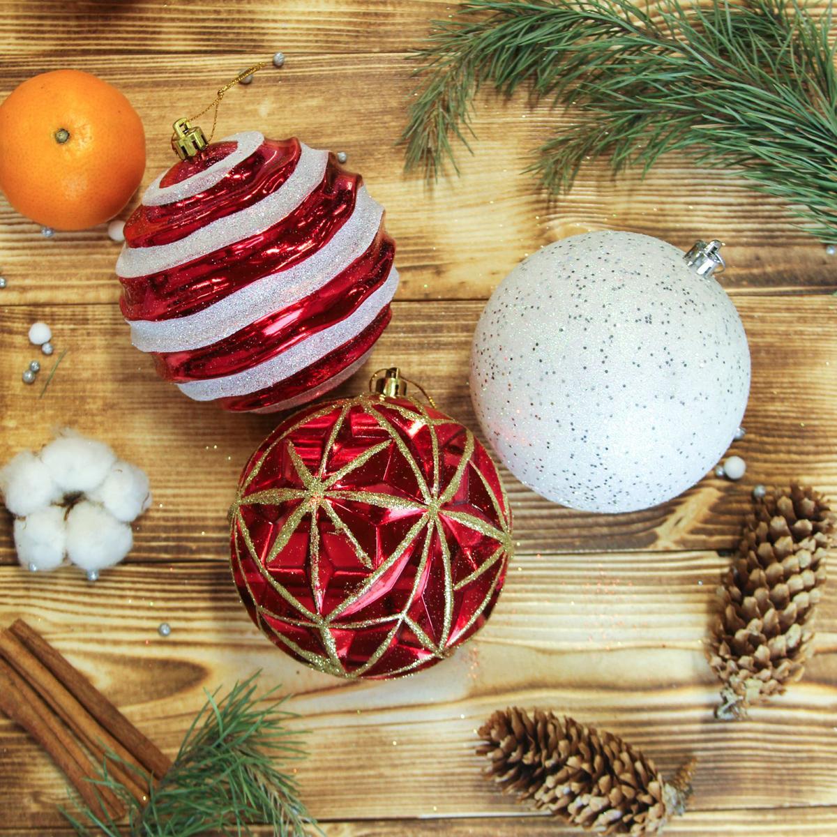 Набор новогодних подвесных украшений Sima-land Разноцвет, диаметр 10 см, 6 шт2371186Набор новогодних подвесных украшений Sima-land отлично подойдет для декорации вашего дома и новогодней ели. С помощью специальной петельки украшение можно повесить в любом понравившемся вам месте. Но, конечно, удачнее всего оно будет смотреться на праздничной елке. Елочная игрушка - символ Нового года. Она несет в себе волшебство и красоту праздника. Создайте в своем доме атмосферу веселья и радости, украшая новогоднюю елку нарядными игрушками, которые будут из года в год накапливать теплоту воспоминаний.