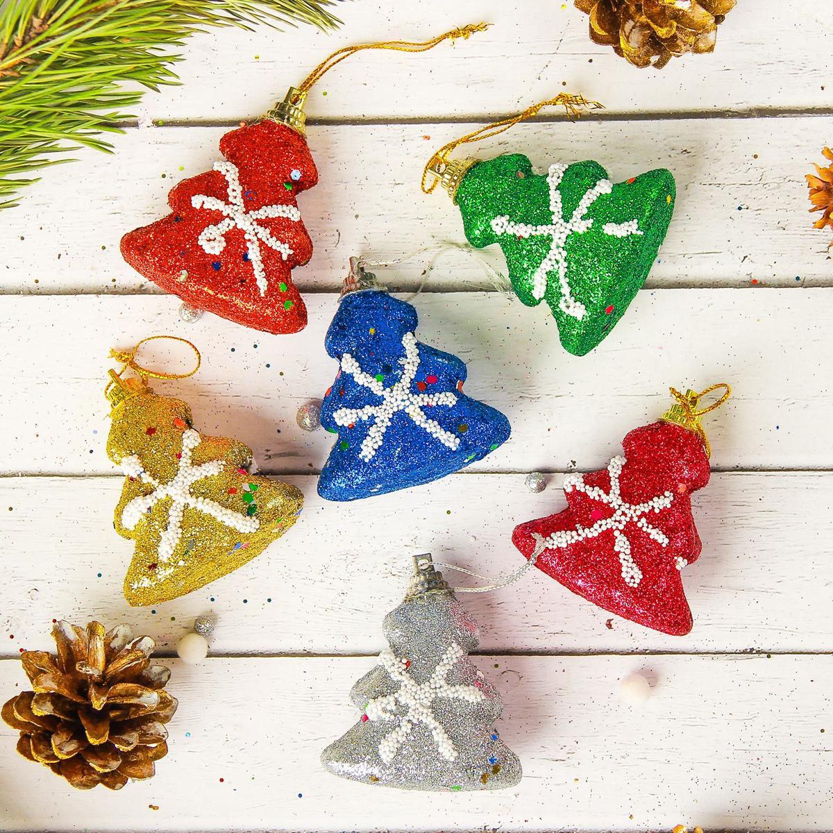 Набор новогодних подвесных украшений Sima-land елка. Блеск, 5 х 4,5 см, 6 шт2372141Набор новогодних подвесных украшений Sima-land отлично подойдет для декорации вашего дома и новогодней ели. Новогодние украшения можно повесить в любом понравившемся вам месте. Но, конечно, удачнее всего они будет смотреться на праздничной елке.Елочная игрушка - символ Нового года. Она несет в себе волшебство и красоту праздника. Такое украшение создаст в вашем доме атмосферу праздника, веселья и радости.