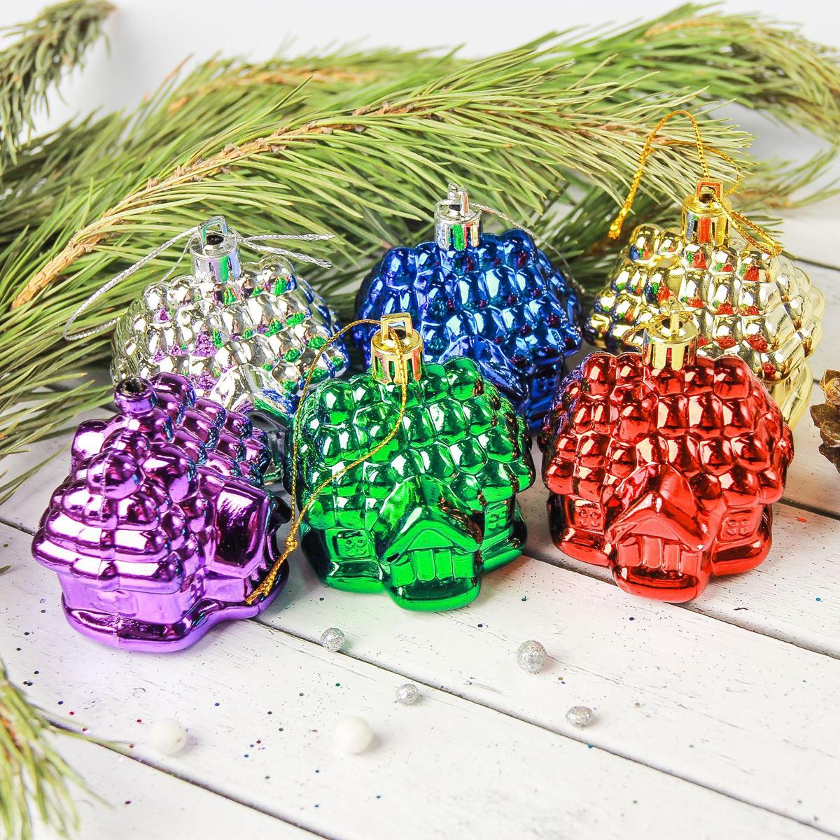 Набор новогодних подвесных украшений Sima-land Домик разноцветный, 4,5 см, 6 шт2372152Набор новогодних подвесных украшений Sima-land отлично подойдет для декорации вашего дома и новогодней ели. Новогодние украшения можно повесить в любом понравившемся вам месте. Но, конечно, удачнее всего они будет смотреться на праздничной елке.Елочная игрушка - символ Нового года. Она несет в себе волшебство и красоту праздника. Такое украшение создаст в вашем доме атмосферу праздника, веселья и радости.