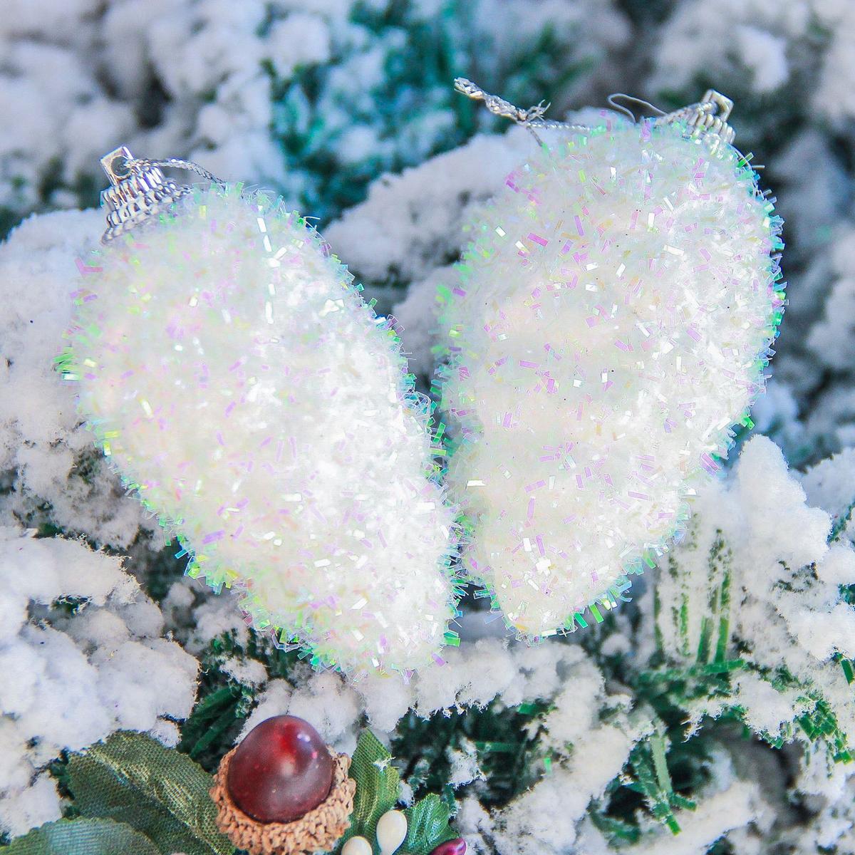 Набор новогодних подвесных украшений Sima-land Шишка. Пушинка, 3 х 6,5 см, 6 шт2377847Набор новогодних подвесных украшений Sima-land отлично подойдет для декорации вашего дома и новогодней ели. Новогодние украшения можно повесить в любом понравившемся вам месте. Но, конечно, удачнее всего они будет смотреться на праздничной елке.Елочная игрушка - символ Нового года. Она несет в себе волшебство и красоту праздника. Такое украшение создаст в вашем доме атмосферу праздника, веселья и радости.