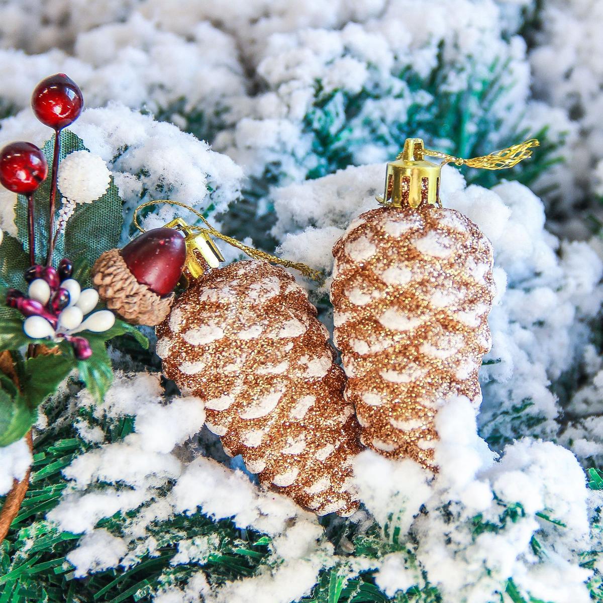 Украшение новогоднее елочное Sima-land Шишка. Белая крапинка, 3 х 5,5 см, 6 шт2377848Невозможно представить нашу жизнь без праздников! Мы всегда ждём их и предвкушаем, обдумываем, как проведём памятный день, тщательно выбираем подарки и аксессуары, ведь именно они создают и поддерживают торжественный настрой.
