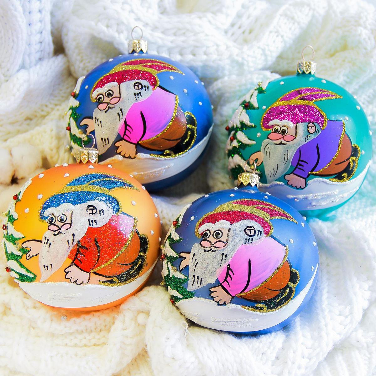 Украшение новогоднее елочное Иней Гном, диаметр 10 см2555472Новогоднее подвесное украшение Иней отлично подойдет для декорации вашего дома и новогодней ели. Новогоднее украшение можно повесить в любом понравившемся вам месте. Но, конечно, удачнее всего оно будет смотреться на праздничной елке.Елочная игрушка - символ Нового года. Она несет в себе волшебство и красоту праздника. Такое украшение создаст в вашем доме атмосферу праздника, веселья и радости.