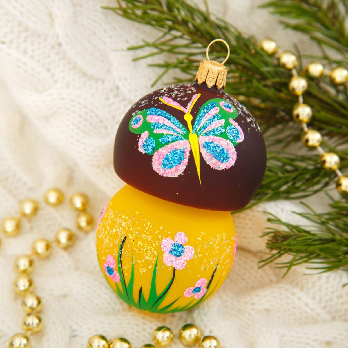 Новогоднее подвесное украшение Ёлочка Гриб-боровик, 6 х 6 х 12 см2564814Новогоднее подвесное украшение Ёлочка отлично подойдет для декорации вашего дома и новогодней ели. Новогоднее украшение можно повесить в любом понравившемся вам месте. Но, конечно, удачнее всего оно будет смотреться на праздничной елке.Елочная игрушка - символ Нового года. Она несет в себе волшебство и красоту праздника. Такое украшение создаст в вашем доме атмосферу праздника, веселья и радости.