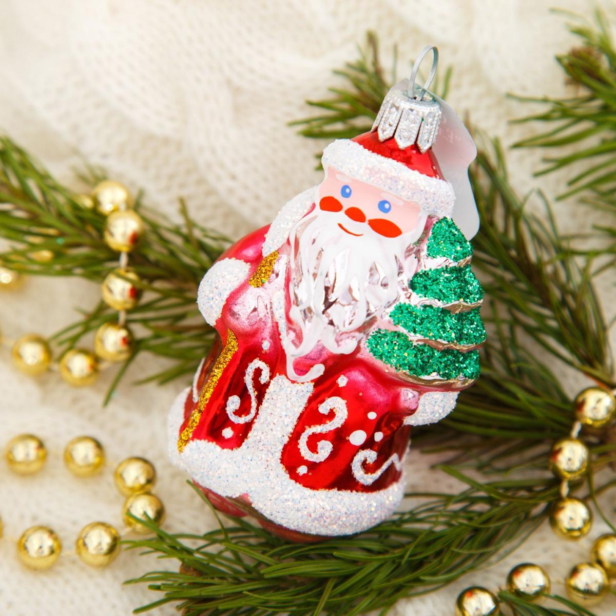 Новогоднее подвесное украшение Ёлочка Морозко-1, 6 х 6 х 10 см2564818Новогоднее подвесное украшение Ёлочка отлично подойдет для декорации вашего дома и новогодней ели. Новогоднее украшение можно повесить в любом понравившемся вам месте. Но, конечно, удачнее всего оно будет смотреться на праздничной елке.Елочная игрушка - символ Нового года. Она несет в себе волшебство и красоту праздника. Такое украшение создаст в вашем доме атмосферу праздника, веселья и радости.