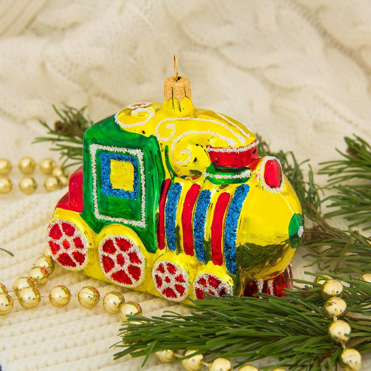 Новогоднее подвесное украшение Ёлочка Паравозик, 5 х 13 х 14 см2564819Новогоднее подвесное украшение Ёлочка отлично подойдет для декорации вашего дома и новогодней ели. Новогоднее украшение можно повесить в любом понравившемся вам месте. Но, конечно, удачнее всего оно будет смотреться на праздничной елке.Елочная игрушка - символ Нового года. Она несет в себе волшебство и красоту праздника. Такое украшение создаст в вашем доме атмосферу праздника, веселья и радости.