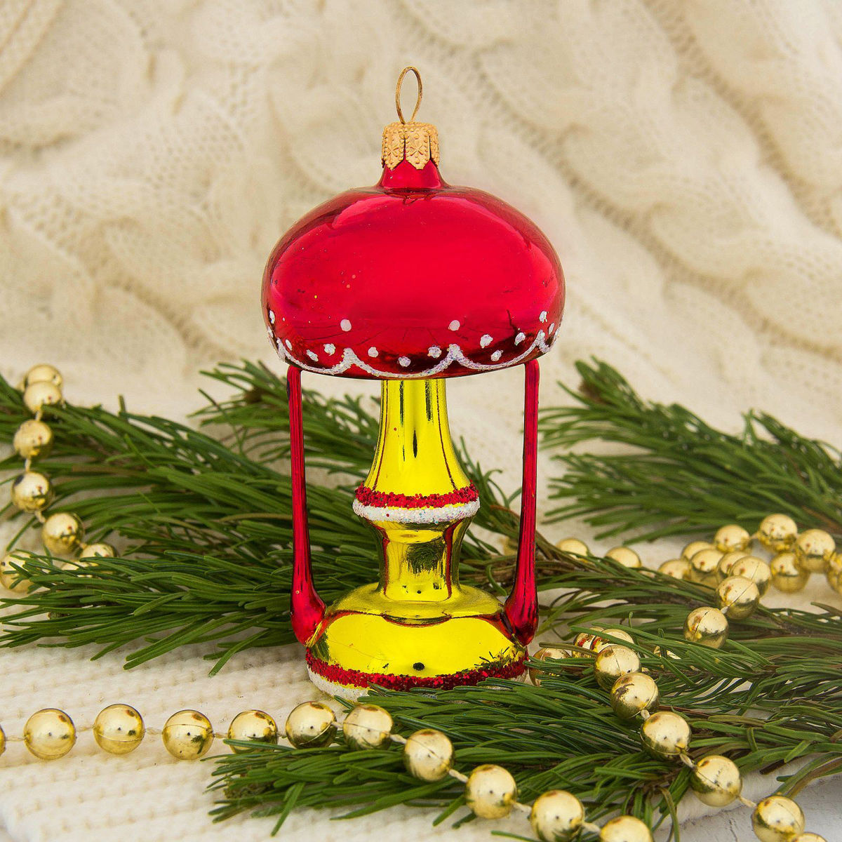 Украшение новогоднее елочное Ёлочка Ретро, 11 х 6,5 х 6,5 см2564820Невозможно представить нашу жизнь без праздников! Мы всегда ждём их и предвкушаем, обдумываем, как проведём памятный день, тщательно выбираем подарки и аксессуары, ведь именно они создают и поддерживают торжественный настрой.