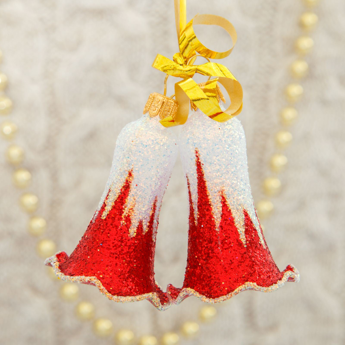 Набор новогодних подвесных украшений Ёлочка Звонкий, 4 шт2564829Набор новогодних подвесных украшений Ёлочка отлично подойдет для декорации вашего дома и новогодней ели. С помощью специальной петельки украшение можно повесить в любом понравившемся вам месте. Но, конечно, удачнее всего оно будет смотреться на праздничной елке. Елочная игрушка - символ Нового года. Она несет в себе волшебство и красоту праздника. Создайте в своем доме атмосферу веселья и радости, украшая новогоднюю елку нарядными игрушками, которые будут из года в год накапливать теплоту воспоминаний.