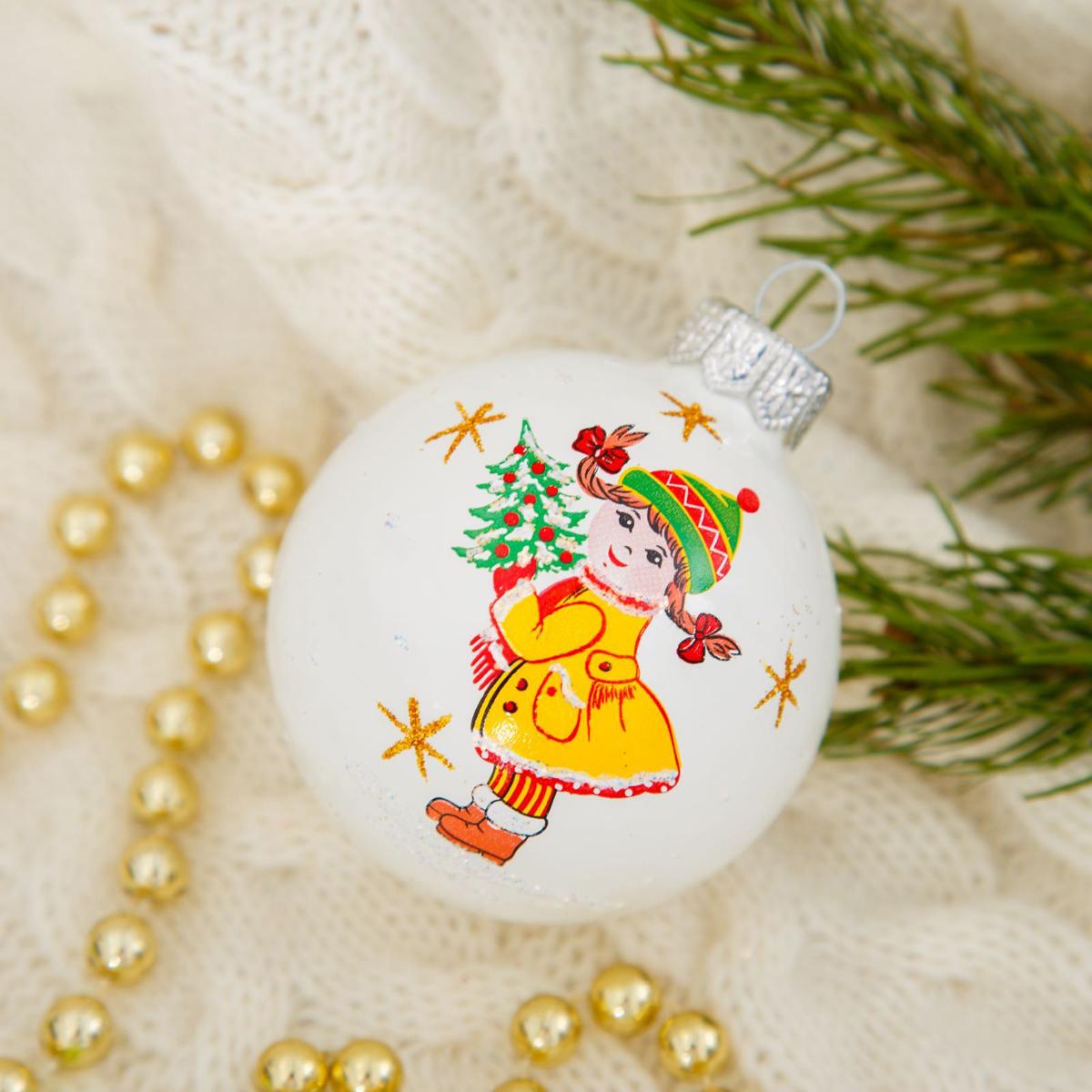 Новогоднее подвесное украшение Ёлочка Детский, диаметр 5 см2564831Новогоднее подвесное украшение Ёлочка отлично подойдет для декорации вашего дома и новогодней ели. Новогоднее украшение можно повесить в любом понравившемся вам месте. Но, конечно, удачнее всего оно будет смотреться на праздничной елке.Елочная игрушка - символ Нового года. Она несет в себе волшебство и красоту праздника. Такое украшение создаст в вашем доме атмосферу праздника, веселья и радости.