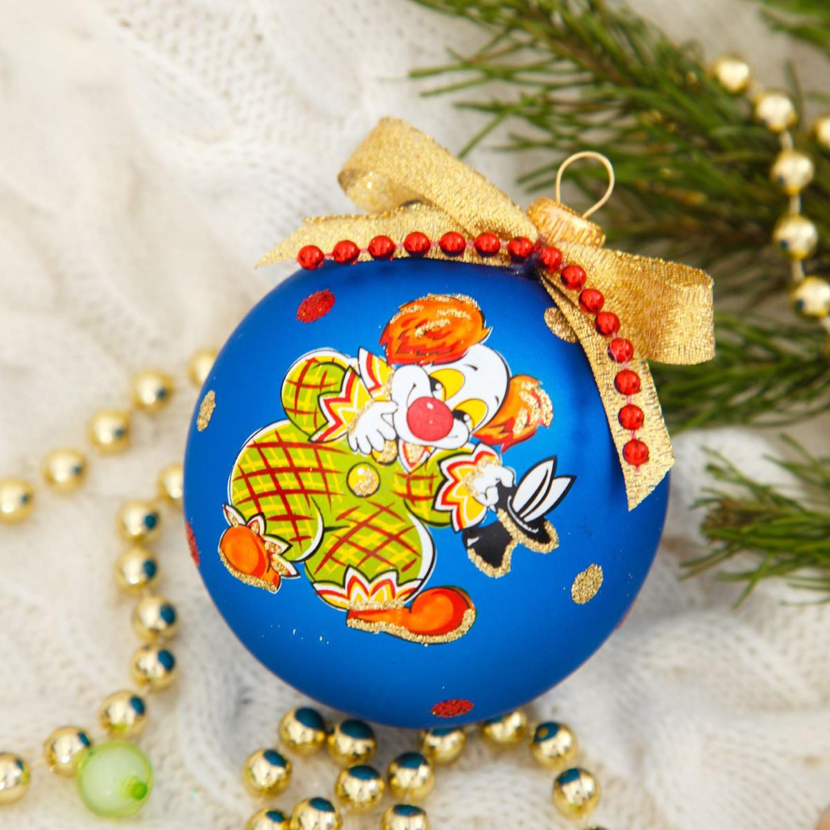 Новогоднее подвесное украшение Ёлочка Клоун, диаметр 7,5 см2564835Новогоднее подвесное украшение Ёлочка отлично подойдет для декорации вашего дома и новогодней ели. Новогоднее украшение можно повесить в любом понравившемся вам месте. Но, конечно, удачнее всего оно будет смотреться на праздничной елке.Елочная игрушка - символ Нового года. Она несет в себе волшебство и красоту праздника. Такое украшение создаст в вашем доме атмосферу праздника, веселья и радости.