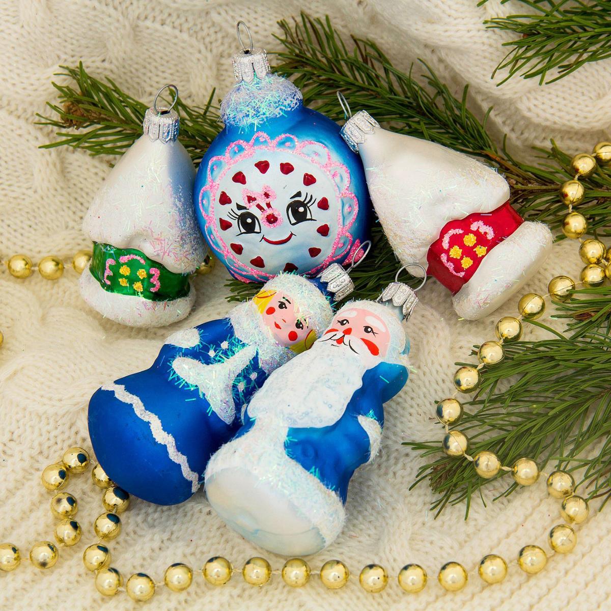 Набор новогодних подвесных украшений Ёлочка Сказочный, 5 шт2564851Набор новогодних подвесных украшений Ёлочка отлично подойдет для декорации вашего дома и новогодней ели. С помощью специальной петельки украшение можно повесить в любом понравившемся вам месте. Но, конечно, удачнее всего оно будет смотреться на праздничной елке. Елочная игрушка - символ Нового года. Она несет в себе волшебство и красоту праздника. Создайте в своем доме атмосферу веселья и радости, украшая новогоднюю елку нарядными игрушками, которые будут из года в год накапливать теплоту воспоминаний.
