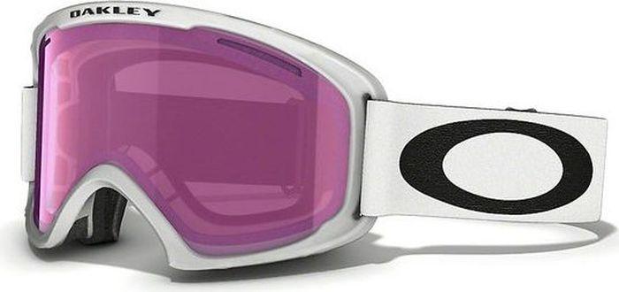 Маска горнолыжная Oakley O2 XL, цвет: белый, черный0OO7045-59-36400Горнолыжная маска Oakley O2 XL имеет крупные линзы обтекаемой формы расширяют периферический обзор во всех направлениях. Гибкая рамка оправы O Matter адаптируется к форме лица, даже при очень низкой температуре. Тройная прослойка из микрофлиса отводит влагу, благодаря чему маску можно с комфортом носить целый день. Особенности:Покрытие линзы, устойчивое к запотеванию F2 Anti-fog.Отверстия в районе виска позволяют носить маску вместе с корректирующими зрение очками. Специальное покрытие внутренней части оправы для уменьшения бликов. 100% защита от ультрафиолетового излучения. Отвечает стандартам качества ANSI Z87.1 и EN 174:2001.Материал линз: Lexan.