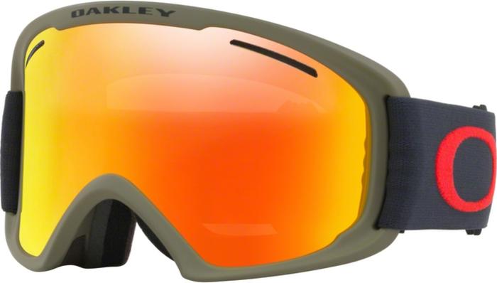 Маска горнолыжная Oakley O Frame 2.0 XL, цвет: черный, красный0OO7045-70453400Крупные линзы обтекаемой формы расширяют периферический обзор во всех направлениях. Гибкая рамка оправы O Matter™ адаптируется к форме лица, даже при очень низкой температуре. Тройная прослойка из микрофлиса отводит влагу, благодаря чему маску можно с комфортом носить целый день. Особенности:• Покрытие линзы, устойчивое к запотеванию F2 Anti-fog• Отверстия в районе виска позволяют носить маску вместе с корректирующими зрение очками • Специальное покрытие внутренней части оправы для уменьшения бликов • 100% защита от ультрафиолетового излучения • Отвечает стандартам качества ANSI Z87.1 и EN 174:2001• Материал линз: Lexan®