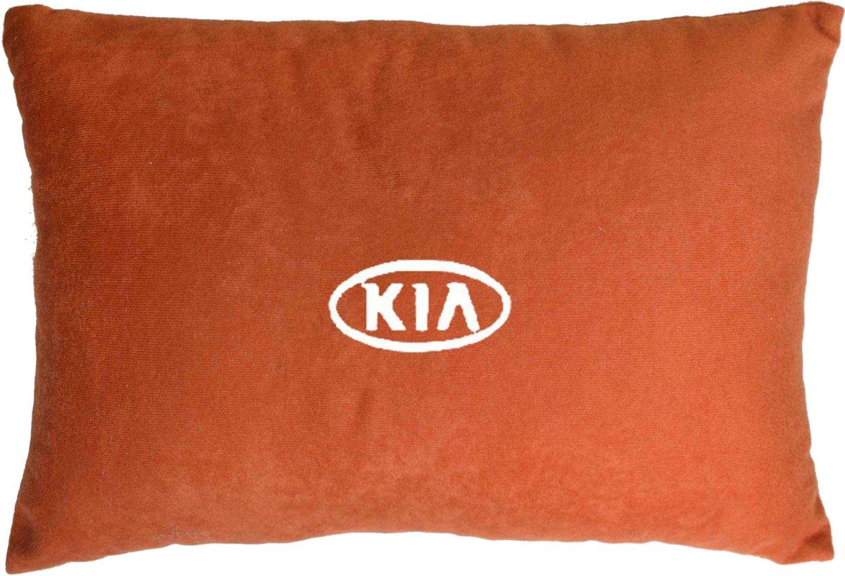 Подушка декоративная в салон автомобиля Autopremium Kia, цвет: красный37671Подушка в салон автомобиля с индивидуальной вышивкой - отличное дополнение для вашего авто. Мягкая подушка, изготовленная из велюра, будет удобна пассажиру. К тому же не перестанет радовать вас своим видом. Оптимальный размер подушки (26 х 36 см) не загромождает салон автомобиля. Особенности подушки:- Хорошо проветривается. - Предупреждает потение. - Поддерживает комфортную температуру. - Обминается по форме тела. - Улучшает кровообращение. - Исключает затечные явления.