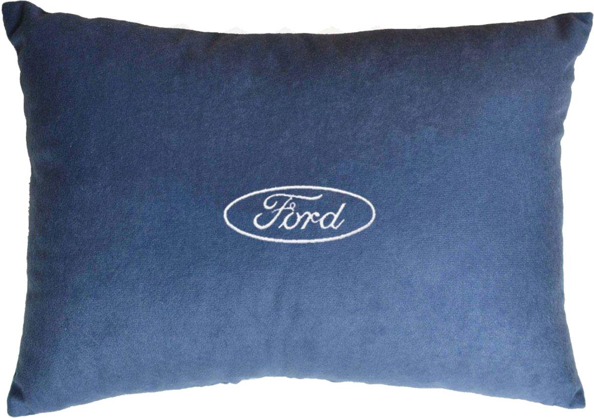 Подушка декоративная в салон автомобиля Autopremium Ford, цвет: синий37684Подушка в салон автомобиля с индивидуальной вышивкой - отличное дополнение для вашего авто. Мягкая подушка, изготовленная из велюра, будет удобна пассажиру. К тому же не перестанет радовать вас своим видом. Оптимальный размер подушки (26 х 36 см) не загромождает салон автомобиля. Особенности подушки:- Хорошо проветривается. - Предупреждает потение. - Поддерживает комфортную температуру. - Обминается по форме тела. - Улучшает кровообращение. - Исключает затечные явления.