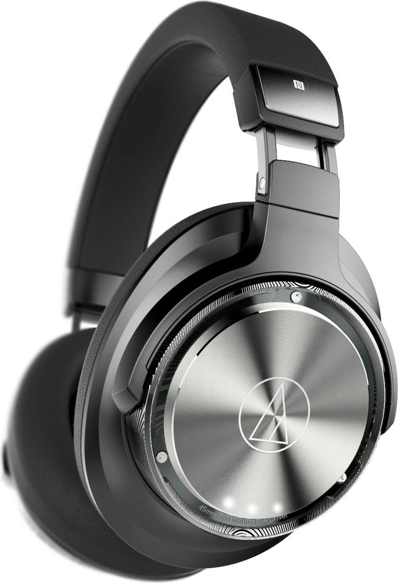 Audio-Technica ATH-DSR9BT, Black Gray наушники15119206Первые в мире наушники, в которых применяется система Pure Digital Drive, Audio-Technica DSR9BT доставляют сигнал в цифровом виде от источника и до самого излучателя без цифро-аналоговых преобразований, губительных для музыки. Это позволяет услышать детали, недоступные раньше даже проводным моделям.45-мм цифро-аналоговые драйверы True Motion, разработанные эксклюзивно для DSR9BT в сочетании с уникальной звуковой катушкой с четырьмя сердечниками, точнейшим образом управляют движением звуковой катушки, что обеспечивает звук небывалой чистоты. Роскошные мягкие амбушюры не только принимают и запоминают форму вашей головы и ушей, но и распределяют вес таким образом, что вы никогда не устанете наслаждаться музыкой. Сенсорный элемент и регулятор громкости управляют воспроизведением и звонками, а светодиодный индикатор отображает активный кодек и заряд батареи.Поддержка аудио высокого разрешения (до 96кГц/24 бит) при подключении по USBBluetooth 4.2 с поддержкой кодеков aptX HD, aptX, AAC и SBCВоспроизведение HiRes контента через USB-кабельСовместимость с Bluetooth и NFC