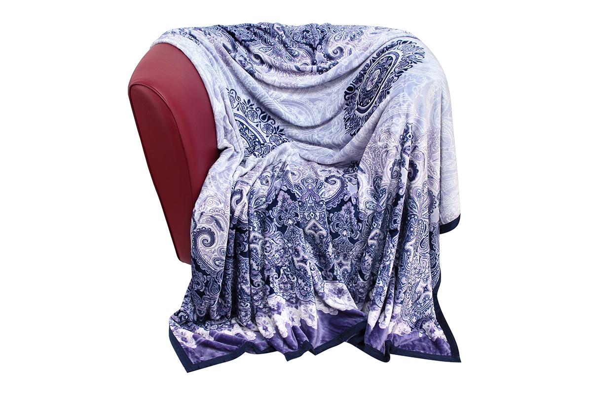 Плед EL Casa Морозное утро, 180 х 200 см960014Уютный, легкий и прочный плед в оригинальном дизайне послужит украшением декора Вашей комнаты и согреет Вас и Ваших близких.Устойчив к истиранию и скатыванию, не мнется, не деформируется, сохранит первоначальный вид даже при активном использовании и многочисленных стирках. Такой плед идеален в качестве подарка на любой праздник. Изделие в подарочной сумке с ручками.