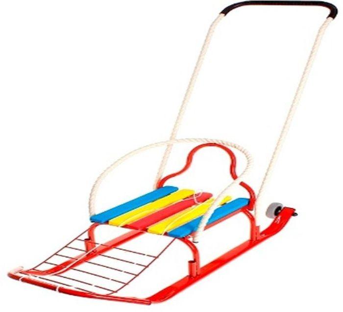 ТД Усть-Люга Санки Кирюша-4К цвет красный82540Длинная база, сиденье с продольными рейками+подножка, трубчатая съемная спинка, буксировочная веревка, широкий плоскоовальный полоз 30 х 15 мм., съемно-переставляемый толкатель, колеса обрезиненные съемные диаметром 75 мм.