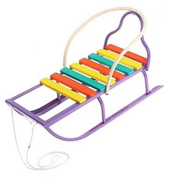 ТД Усть-Люга Санки Вятские-2 цвет фиолетовый82649Сиденье удлиненное с поперечными рейками, буксировочная веревка, трубчатая съемная спинка ,плоский полоз шириной 35 мм.