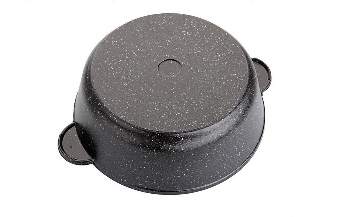 """Сковорода """"Маруся"""" выполнена из алюминия. Толщина дна и высота бортов  сковороды оптимальны для различных способов приготовления. Крышка из  жаропрочного стекла. Специальное отверстие для выхода пара позволяет  готовить с закрытой крышкой, предотвращая выкипание. Внутреннее и внешнее  упрочненное трехслойное антипригарное покрытие с минеральными частицами  мрамора и гранита. Диаметр сковороды: 32 см."""