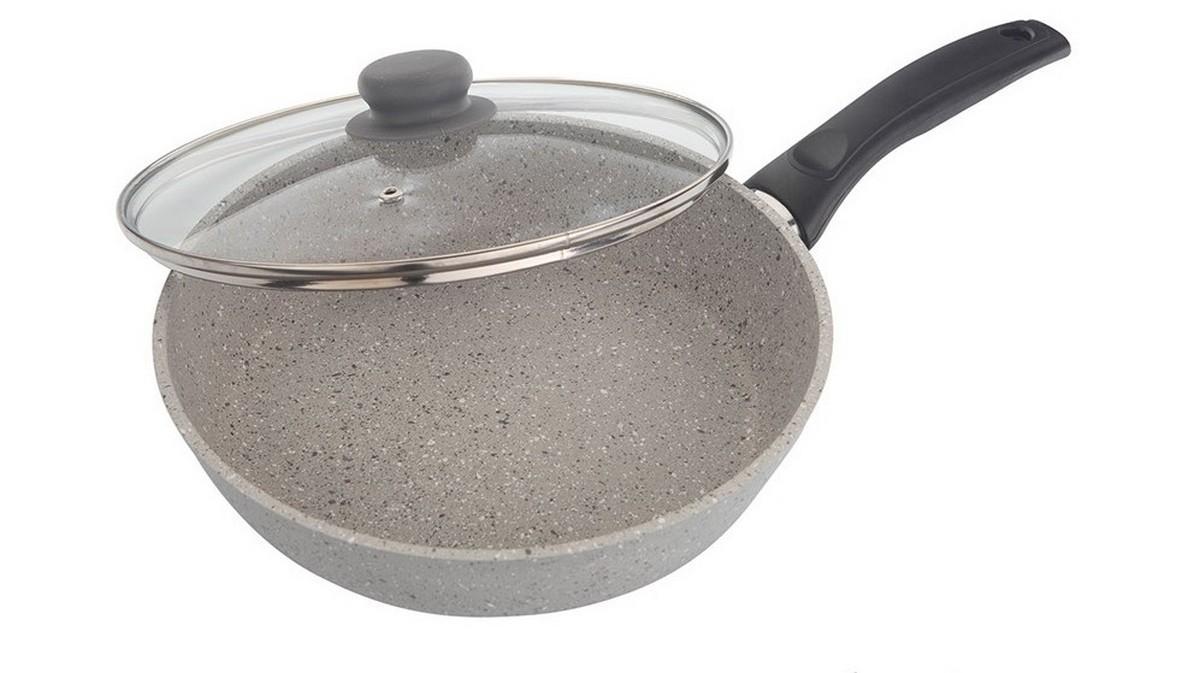 Сковорода Маруся, с крышкой, цвет: серый. Диаметр 22 см. МР9822сМР9822сСковорода Маруся выполнена из алюминия. Толщина дна и высота бортов сковороды оптимальны для различных способов приготовления. Крышка из жаропрочного стекла. Специальное отверстие для выхода пара позволяет готовить с закрытой крышкой, предотвращая выкипание. Внутреннее и внешнее упрочненное трехслойное антипригарное покрытие с минеральными частицами мрамора и гранита. Диаметр сковороды: 22 см.