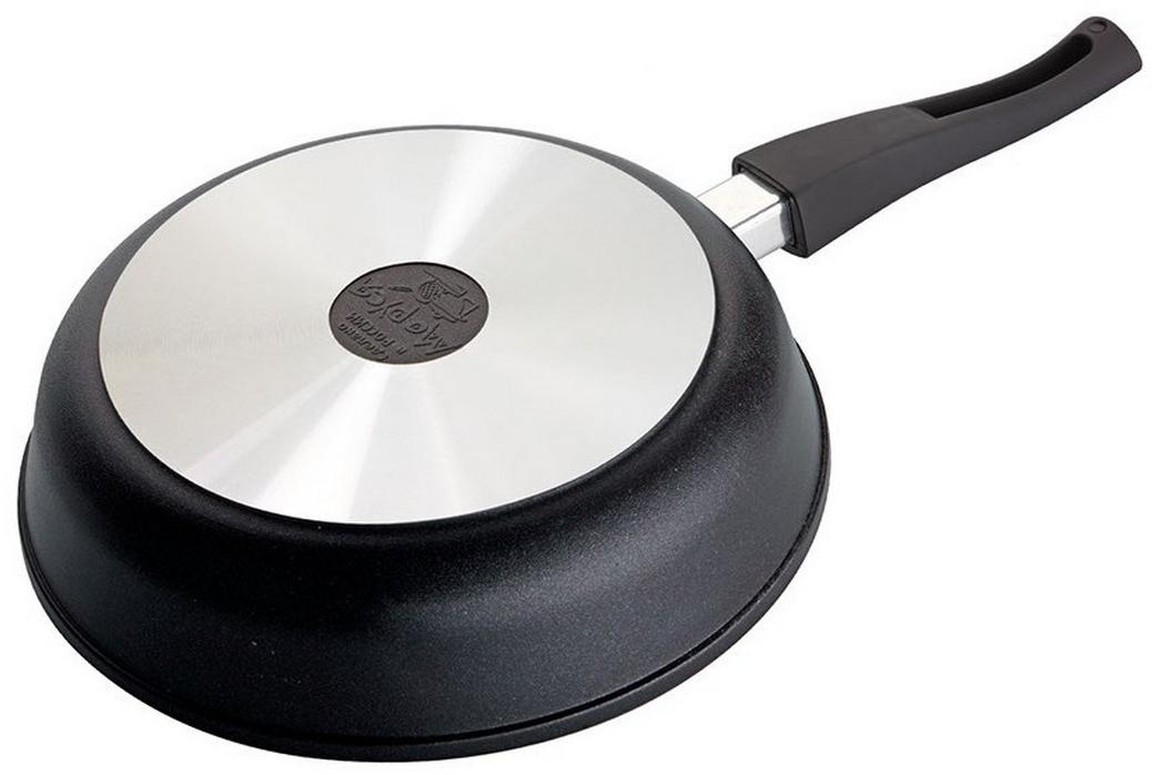 """Сковорода """"Маруся"""" с антипригарным покрытием выполнена из алюминия.  Толщина дна и высота бортов сковороды оптимальны для различных способов  приготовления. Внутреннее и внешнее упрочненное трехслойное антипригарное  покрытие """"Greblon"""" с минеральными частицами мрамора и гранита, съёмная ручка  c покрытием Soft Touch. Диаметр сковороды: 24 см."""