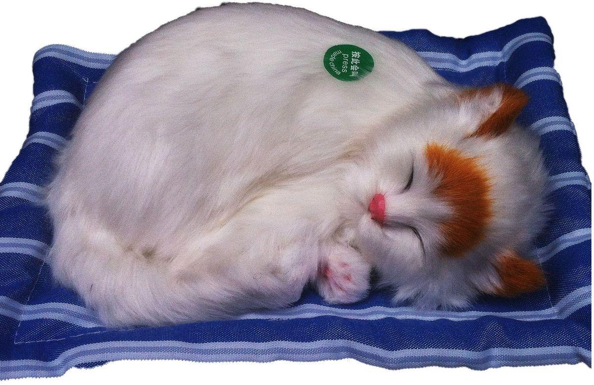 Vebtoy Фигурка Спящий котенок на коврике со звуком Мяу цвет белый
