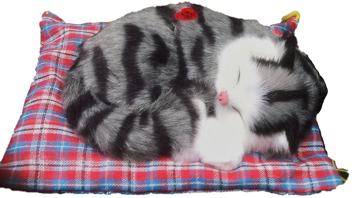 Vebtoy Фигурка Спящий котенок на коврике со звуком Мяу цвет серый
