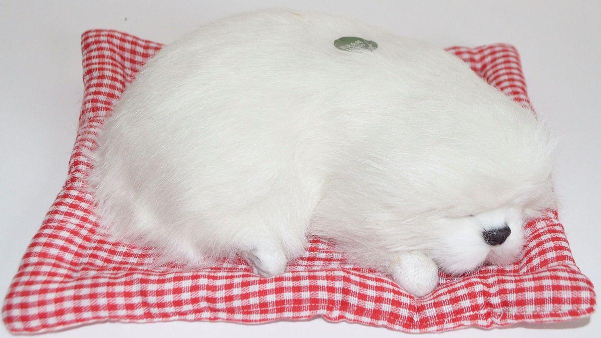 Vebtoy Фигурка Спящая собака на коврике со звуком Гав цвет белый
