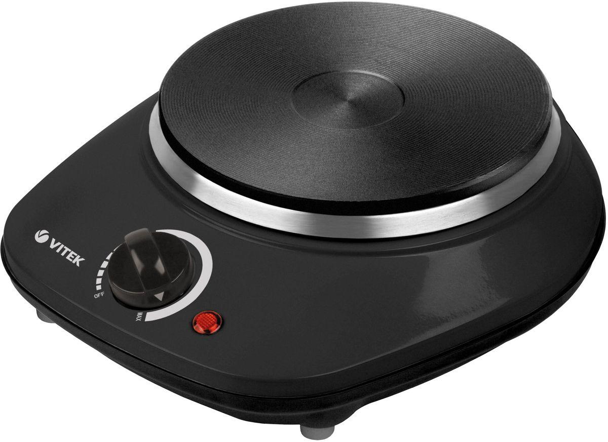 Vitek VT-3701(BK), Black настольная плитаVT-3701(BK)Плитка электрическая Vitek VT-3701(BK) поможет при приготовлении пищи. Она может использоваться дома и на даче, в офисах, является универсальной. Основное преимущество модели – компактные габариты, она не занимает много места.Плитка Vitek VT-3701(BK) изготовлена в корпусе черного цвета. Это практичное решение, на поверхности не так заметны загрязнения. Конфорка в конструкции одна. Диаметр оптимальный – 155 мм, можно использовать плитку с различной посудой.Нагревательные элементы скрыты внутри конструкции. За счет этого они не подвержены неблагоприятным воздействиям. Увеличивается предполагаемый срок службы техники. В корпус встроен светодиодный индикатор. Он указывает на текущий режим работы оборудования.Управление происходит при помощи удобного механического элемента. Он позволяет быстро настроить мощность. Вы сможете выбрать подходящий параметр для приготовления пищи.Максимальная мощность плитки – 1 кВт. Этого достаточно для всех владельцев, обеспечивается быстрый нагрев посуды и поддерживается высокая температура.