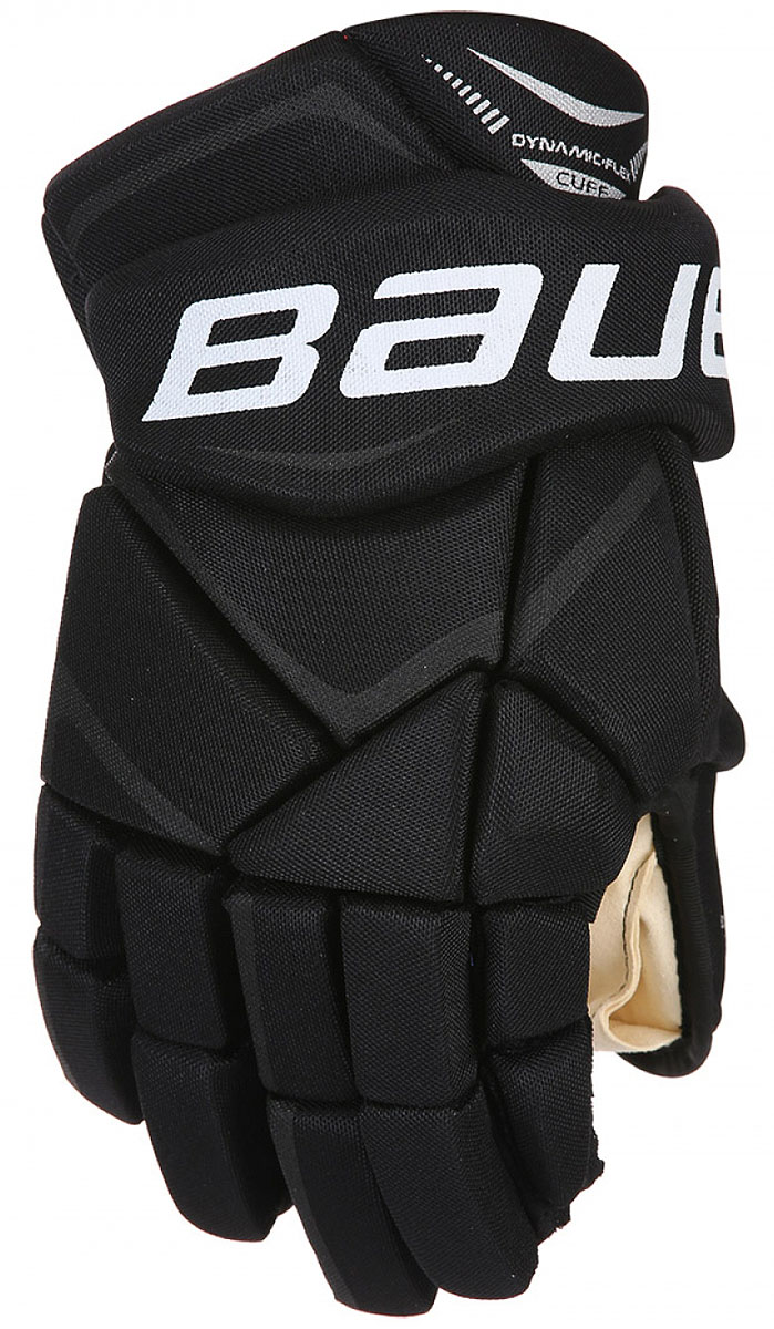 Перчатки хоккейные Bauer Vapor X700, цвет: черный. 1048094. Размер 151048094Теперь держать клюшку, наносить удары и вести шайбу гораздо проще. Зауженная посадка позволяет запястью вращаться более свободно, а более плотное расположение пальцев помогает игрокам крепче удерживать клюшку. Ладошка из двойного слоя искусственной замши цвета слоновой кости приятно прилегает к руке.