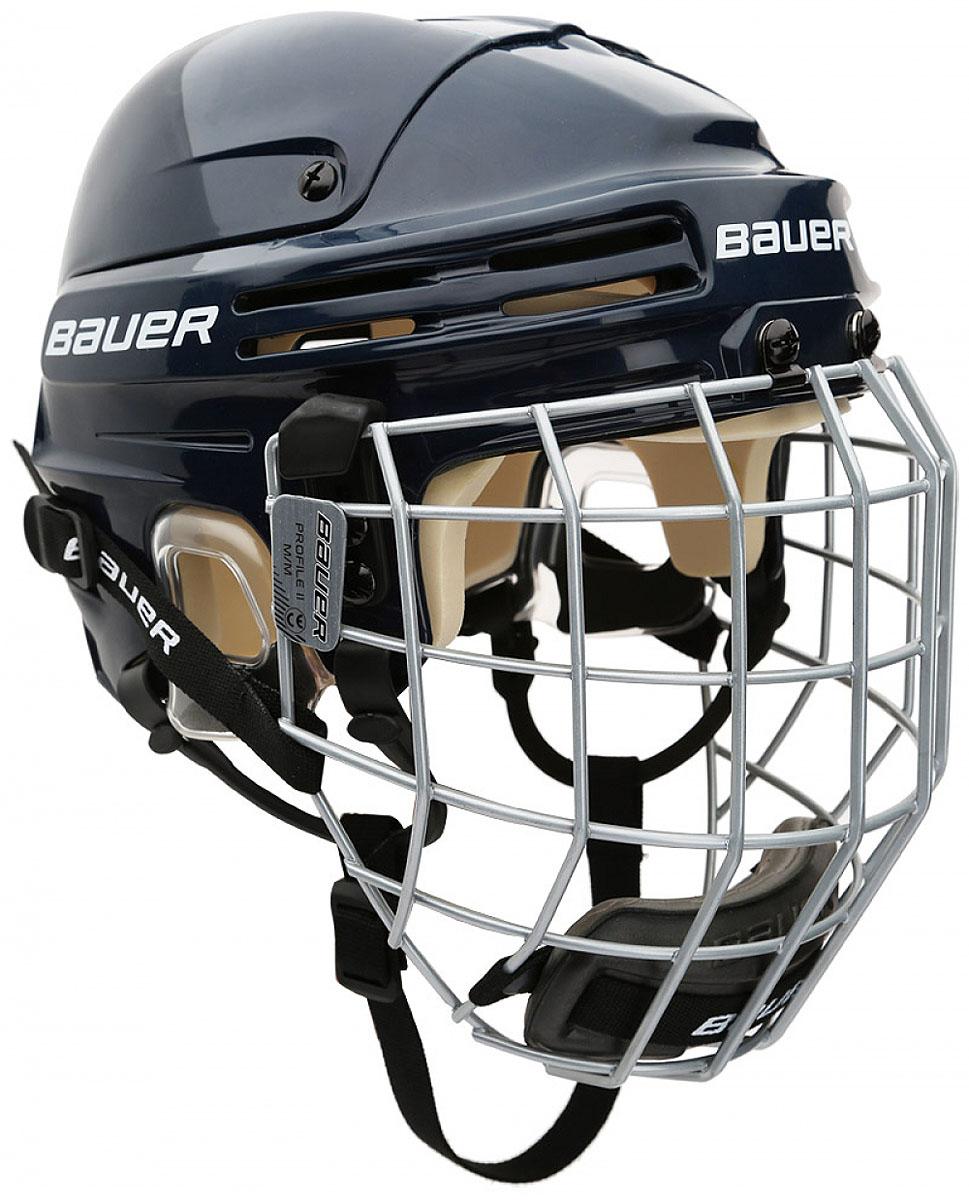 Шлем Bauer 4500 Combo, цвет: синий. 1044665. Размер M1044665Конструкция шлема Bauer 4500 Combo имеет классический вид, верхняя часть с двумя выступающими гребнями и подкладка из вспененного винил-нитрила двойной плотности обеспечивают защиту во время всего матча. Защита на каждый игровой день:- пена двойной плотности;- эргономичная прозрачная защита ушей;- верхняя часть с двумя выступающими гребнями.Индивидуальная посадка: быстрая регулировка при помощи инструмента.Комфорт: свободно двигающиеся ушные петли, как на профессиональных моделях.Шлем укомплектован маской Profile II.