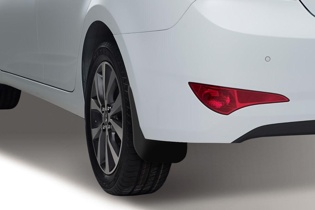 Комплект задних брызговиков Novline-Autofamily, для Hyundai Solaris, 02/2014->, седан, 2 штNLF.20.01.E10Брызговики служат для защиты нижней части кузова от воды, грязи, камней, песка во время движения автомобиля. С эстетической точки зрения брызговики являются завершением колесной арки, они подчеркивают красоту и изящество форм автомобиля. Основные требования, которым должны соответствовать брызговики - гибкость и прочность. Изделия, производимые на основе пластика (полиуретановые брызговики), обладают высоким показателям прочности, экологичности, а также, устойчивостью к температурным колебаниям.