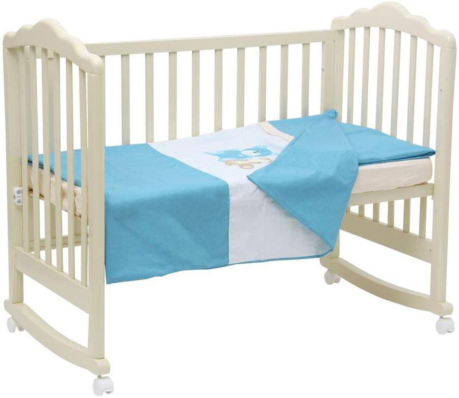 Polini Комплект белья для новорожденных Плюшевые мишки цвет голубой 3 предмета0001299-1Комплект белья в кроватку Polini Плюшевые мишки голубой 120х60.Комплект постельного белья Polini из коллекции Плюшевые мишки выполнен из натуральных материалов- 100% хлопок высочайшего качества.Для дополнительного комфорта простыня идет на резинке, что позволит ей ровно лечь на поверхность матрасика и не съезжать.Изделие украшает оригинальная вышивка в виде милых медвежат.Современные пастельные цвета комплекта создадут уютную атмосферу спального места ребенка.Набор белья подходит на все кровати со стандартным размером ложа 120х60см.Состав:-наволочка (40х60 см), -простыня на резинке на матрац (120х60 см), -пододеяльник (110х140 см).
