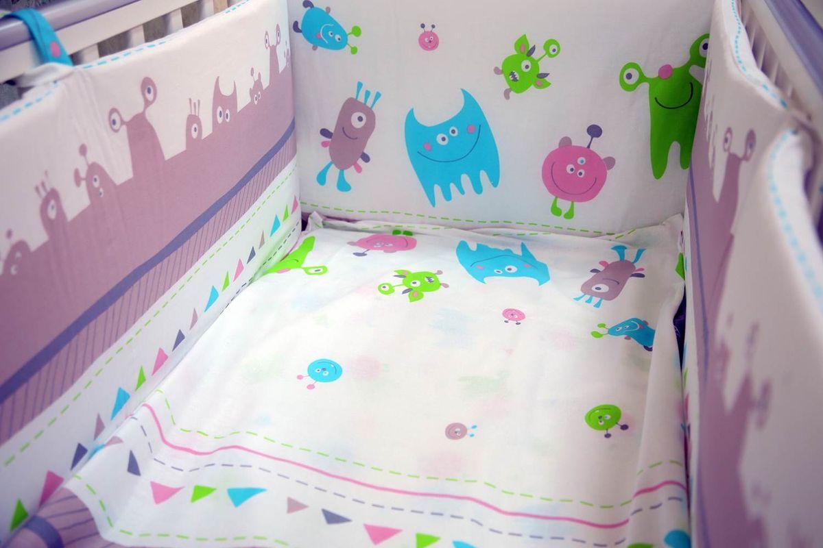 Детское постельное белье в спокойной цветовой гамме с яркими акцентами будет прекрасно смотреться в любой кроватке. Мягкий хлопок 100% высокого качества приятный на ощупь и не раздражает чувствительную кожу младенца. Белье из коллекции Монстрики можно дополнить другими элементами из данной коллекции. Состав комплекта: - наволочка (40х60 см), - простыня на резинке (140х70 см), - пододеяльник (110х140 см.).