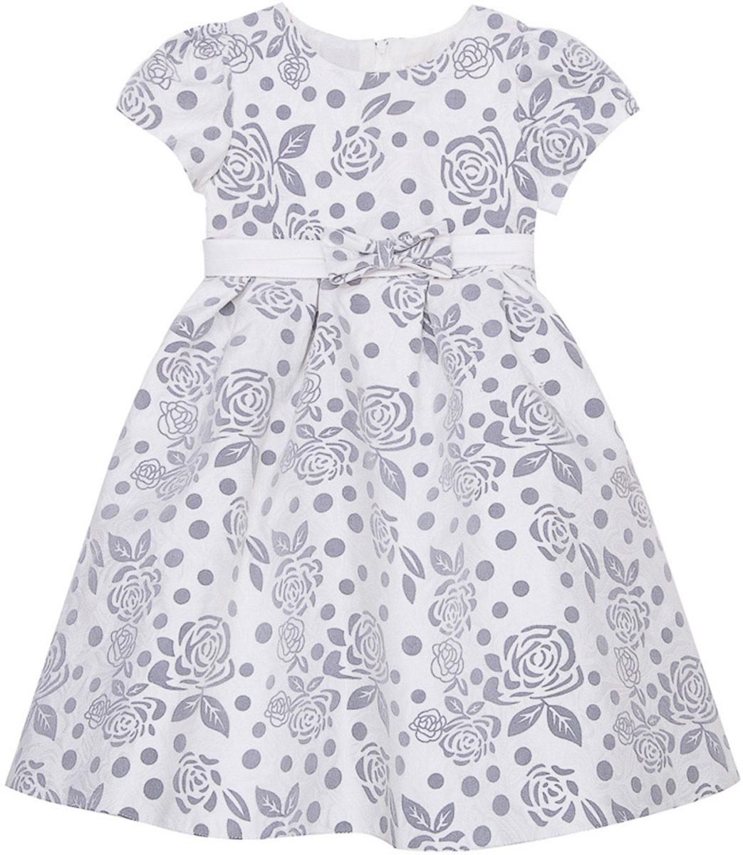 Платье для девочки Vitacci, цвет: серый. 2171394-02. Размер 1202171394-02Стильное платье Vitacci идеально подойдет вашей дочурке. Платье выполнено из полиэстера с подкладкой из хлопка. Платье с короткими рукавами и круглым вырезом горловины дополнено стильным принтом и на талии декоративным бантиком. Модель застегивается на молнию, расположенную на спинке.