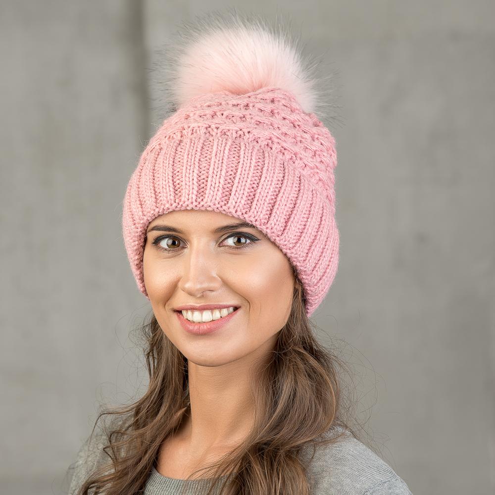 Шапка женская Stilla, цвет: розовый. SH-1711/170. Размер 52/56SH-1711/170Теплая зимняя шапка с отворотом.Крупная вязка, флисовая подкладка. Помпон из искусственного меха.