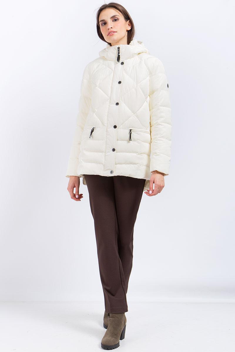 Куртка женская Finn Flare, цвет: молочный. W17-11017_711. Размер M (46)W17-11017_711Куртка женская Finn Flare выполнена из полиэстера. Модель с капюшоном и длинными рукавами застегивается на молнию и кнопки.